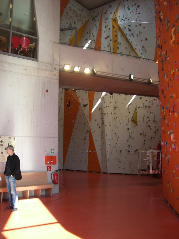 Consulting service on the screed moisture at the indoor climbing centre in Gilching