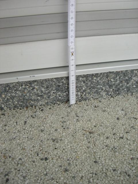 Assessing the quartz pebble floor of a private balcony